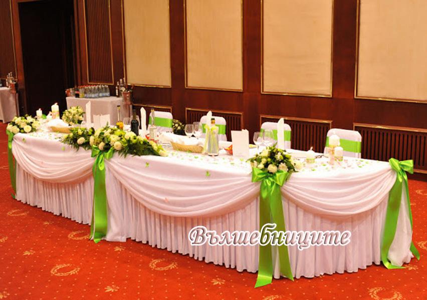 Декорация за сватба в София хотел Маринела Hotel Marinela Sofia wedding в зелено украса на сватба със зелени панделки за столове и бели калъфи за столове под наем розово