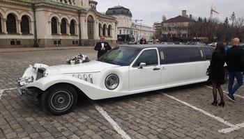 Лимузина под наем сватбен автомобил кола за сватба София сватбена агенция